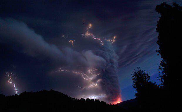 RT @iIovestorms: a night storm is a beautiful thing https://t.co/Q54xvSXf1k
