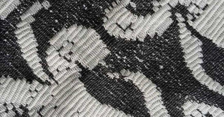 Ζακάρ ημιμάλλινο Εξαιρετικής ποιότητας ύφασμα για χειμερινή γυναικεία ένδυση. Σικ, άνετα, μοναδικά στο είδος τους.  Χρήσεις: Clothing υφάσματα 123 ευρώ Υφάσματα με το μέτρο φθηνά υφάσματα