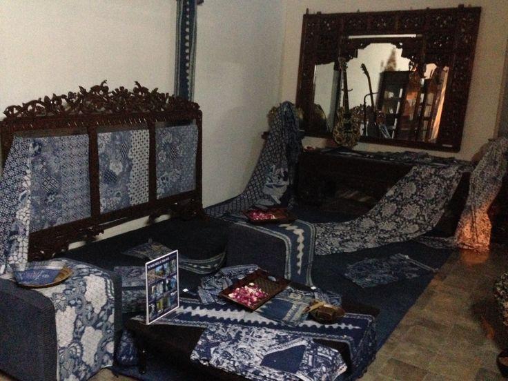 Galeri Batik Jawa @ Dalem Natan Indigo batik, natural color