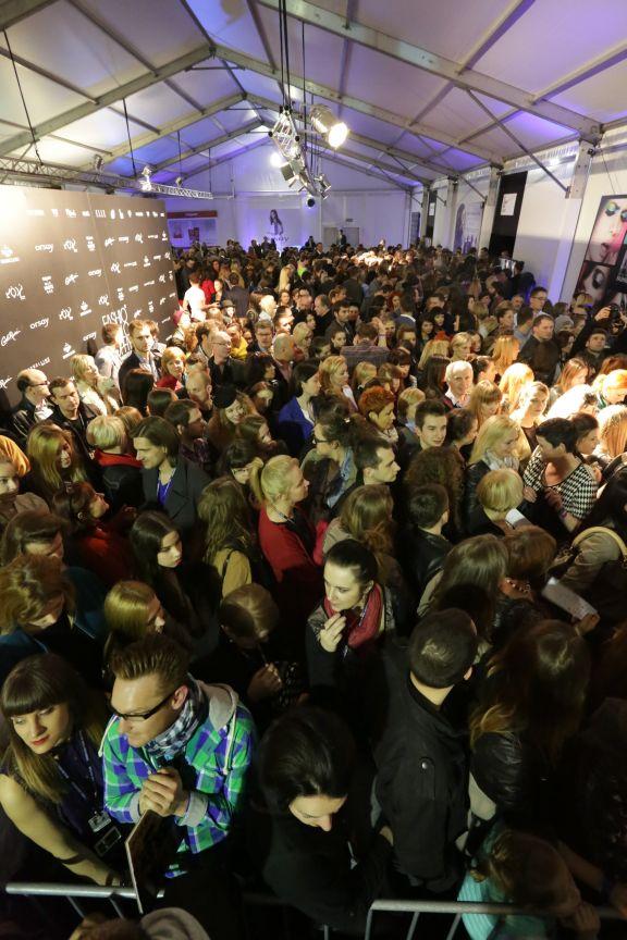#AmazingPeople ! 8. FashionPhilosophy Fashion Week Poland #fashionweek #designeravenue #off #youngdesigners #fashioninspirations #spring #trends #fashiondesigners #polishfashiondesigners #offoutofschedule #howroom #fashion #fashionweekpl #fashionweekpoland #fashionphilosophy #memories