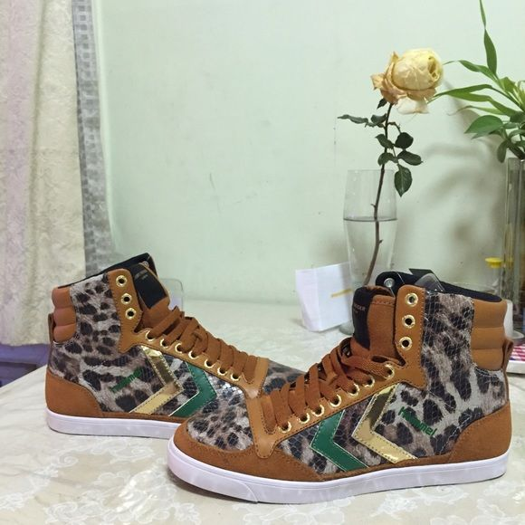 ✨Rare✨ Kurt Geiger London Hummel sneakers Brand new Kurt Geiger trainers!  Suede and leather never worn. Kurt Geiger Shoes Sneakers