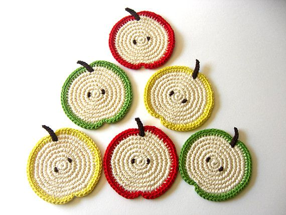 apple #crochet Coasters                                                                                                                                                                                 Más                                                                                                                                                                                 Más