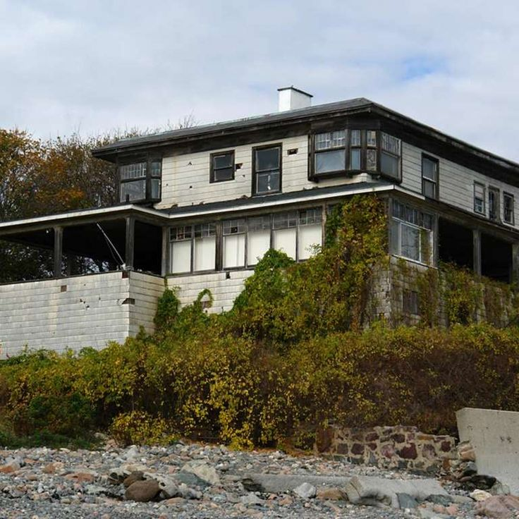 An Abandoned Beach House On The Gloucester Shore In