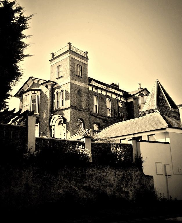 St. Anne's/Woodville The Hill Monkstown from Packenham Road
