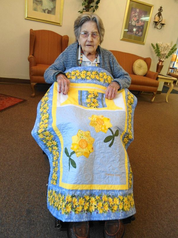 Lap quilt with pocket