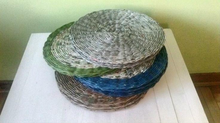 Podkładki stołowe okrągłe z papierowej wikliny. Średnica 30cm. https://www.facebook.com/recykling.artystyczny