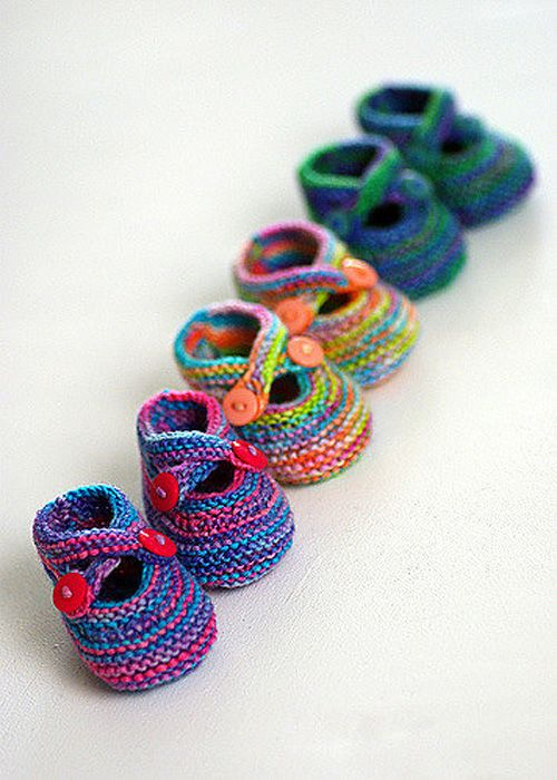 Technicolor Booties – Free Pattern