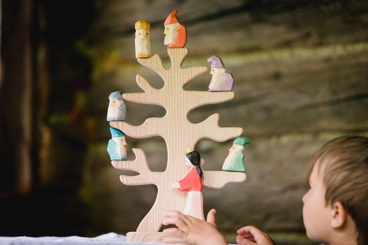 Ostheimer Vogelbaum, Sieben Zwerge, Holzspielzeug, Ökologisch, Werbefotografie, Produktfotografie Commercial