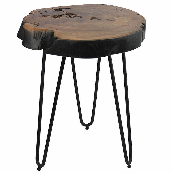 Du möchtest deinem Zuhause ein wenig rustikales Flair verleihen? Mit dem Beistelltisch von Home Affair zieht echtes Naturfeeling bei dir ein: Die Tischplatte aus Akazien-Massivholz begeistert mit ihrer tollen Maserung – die Metallfüße sorgen für einen sicheren Stand.