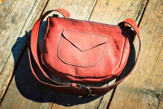 Leather waist bag in brown color, belt hip bum bags, fashion fannypack, fanny pack, traveler, handmade, unisex, natural, man, woman, italian