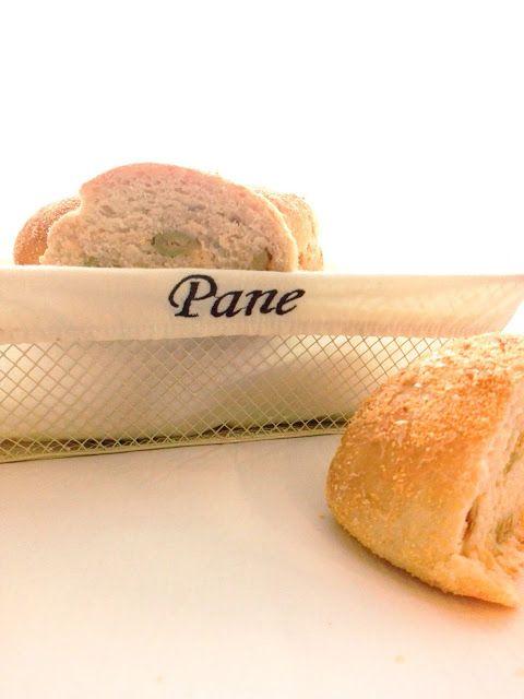 L'Emporio 21: I panini alle olive e le mail dementi