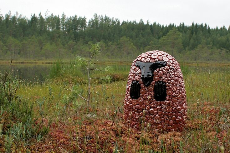 Expressions of Nature: Bog (Bear-Elk), Ville Heimala, 2016. Ceramic sculpture covered with ceramic reliefs, height 35 cm.