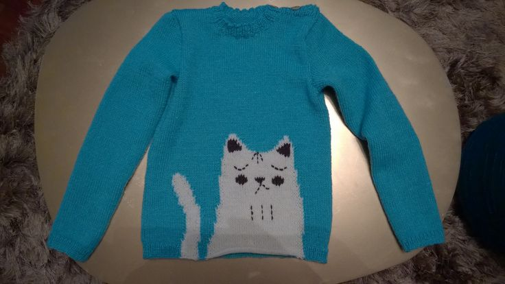Pullover with a cat pattern for my 8 year old daughter