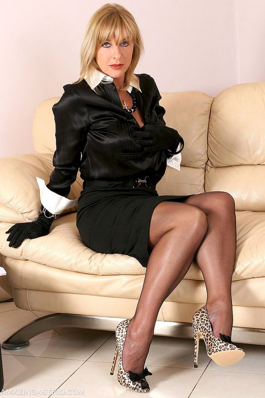 Mature wives in stockings kann gerne