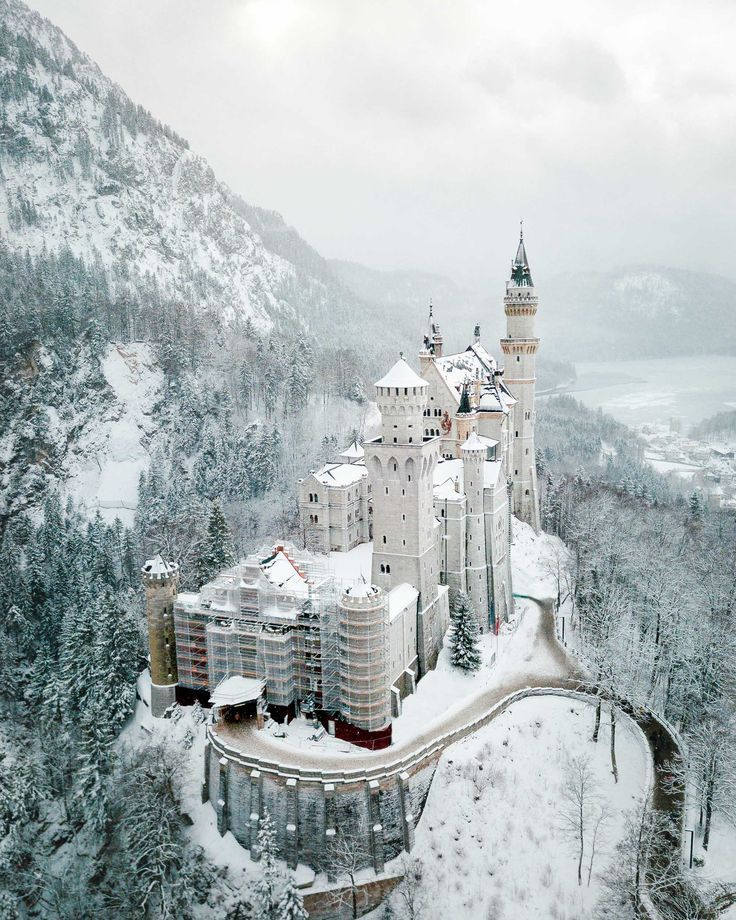 I Want To Visit Germany In German: A Guide To Visiting Neuschwanstein Castle In Germany