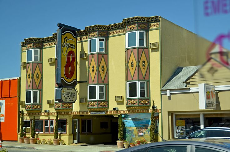 Vintage style motel in San Francisco, California. #classic #motels #historic #super8 #cultflavor #hitpictures