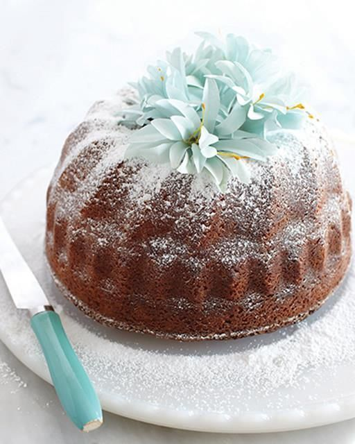 Amaretto & Fig Bundt Cake