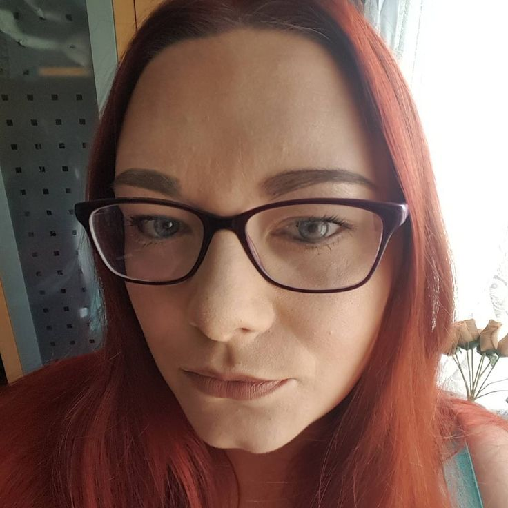 Today simple look for in the car on a hot day!  #foundation #w7 buff mixed with  #collection  #collection concealer  #primark #contour #loreal #mascara  #benefit #eyeliner  #freedom #pomade #eyebrows  #w7 #ofthewall #mattlips  New hair recolour thanks to #loreallive  #realred  #thegirlwithglasses http://ameritrustshield.com/ipost/1553566479557959140/?code=BWPYHtlAZ3k