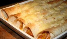 Tortillarullar med kyckingröra. Baconet ger en god rökt smak.