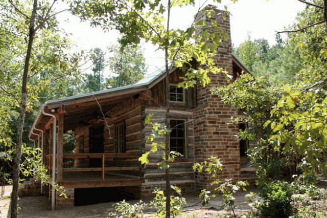 Preservation texas stewardship award winning log cabin for Log cabin home builders in texas