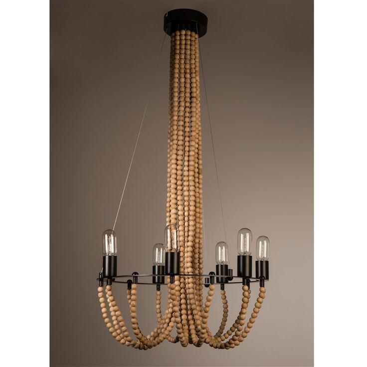 De Dutchbone Beads lamp is een klassieke kroonluchter in een nieuw jasje! Het ontwerp is duidelijk geïnspireerd op verre reizen en doet werelds aan. Hang deze lamp met de vele houten kralen in de woonkamer of hal voor een warm en knus geheel!