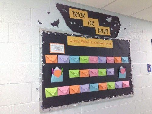October Bulletin Boards- Ideas for bulletin boards and doors for October