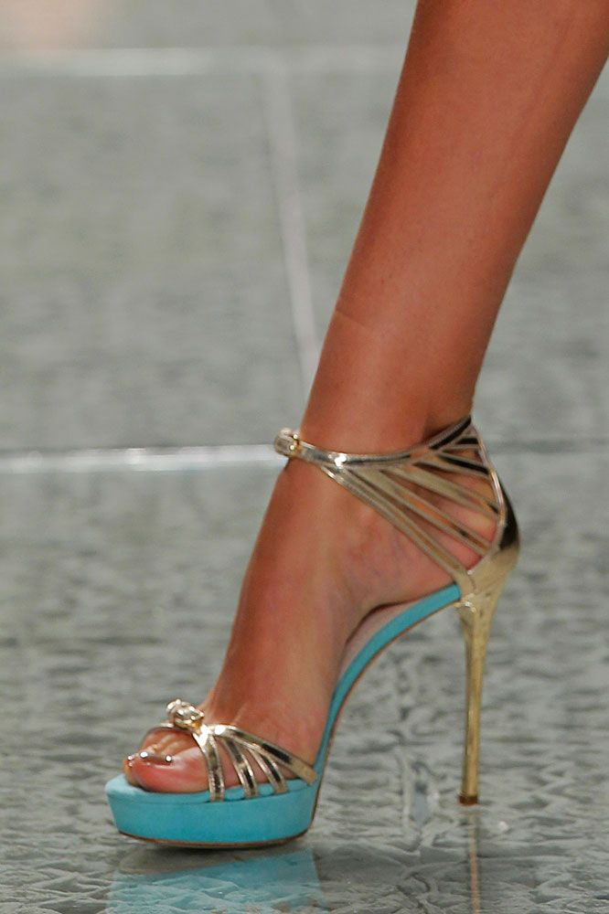 Luís Onofre In a different color than the gold (not a fan of gold at all) these are an awesome pair of heels!