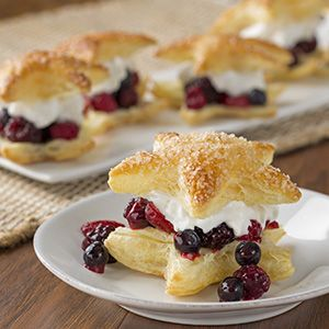 Brighten-up any occasion with these deliciously fresh Puff Pastry Star Berry Cream Puffs. Two gorgeously golden Puff Pastry stars are filled with a sweet berry and cream filling, ensuring that each bite is filled with memories of sun-filled days. The flaky layers of Puff Pastry are perfectly complimented by the fruit filling, and can be …