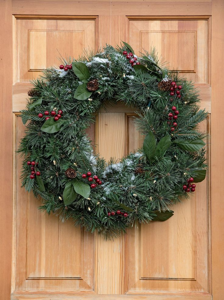 Windsor Pre-Lit Wreath