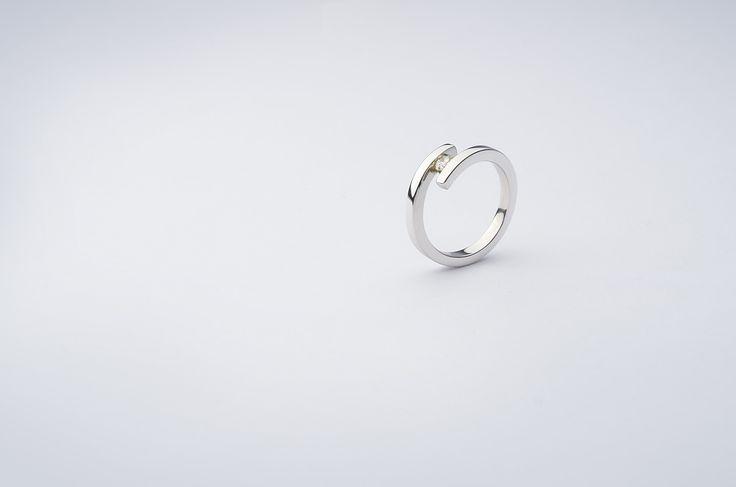 prsten - bílé zlato, briliant