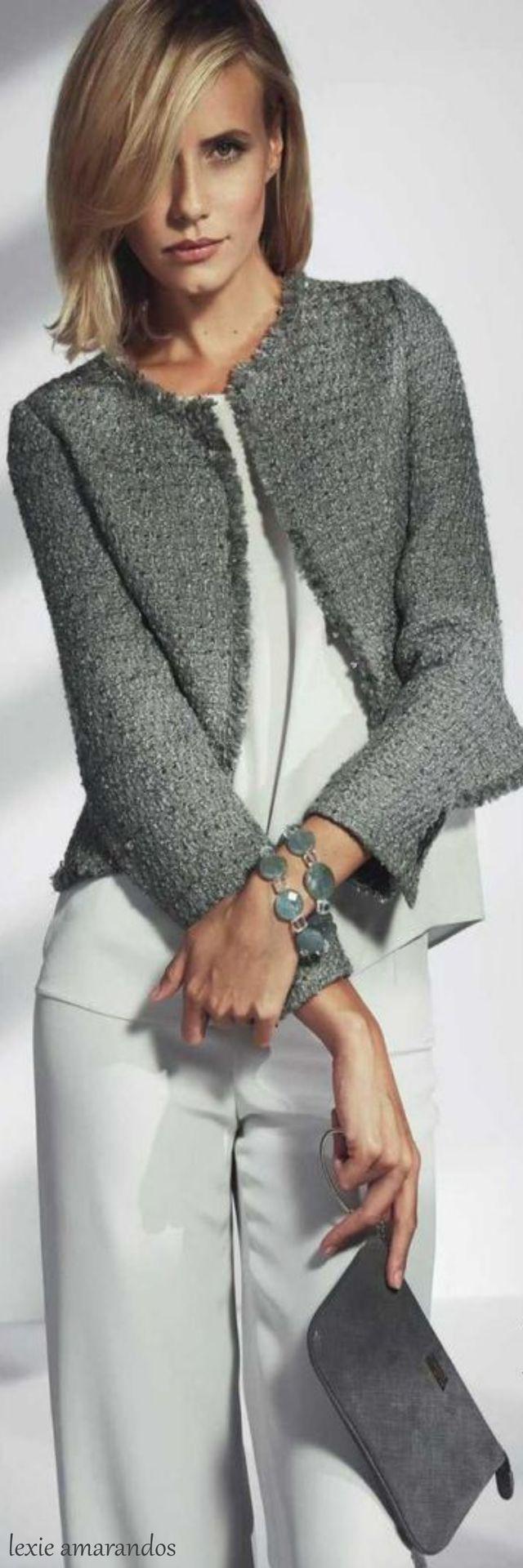 Chaqueta tipo chanel ideal para un outfit de entretiempo y muy versátil para distintos looks  Me gusta.