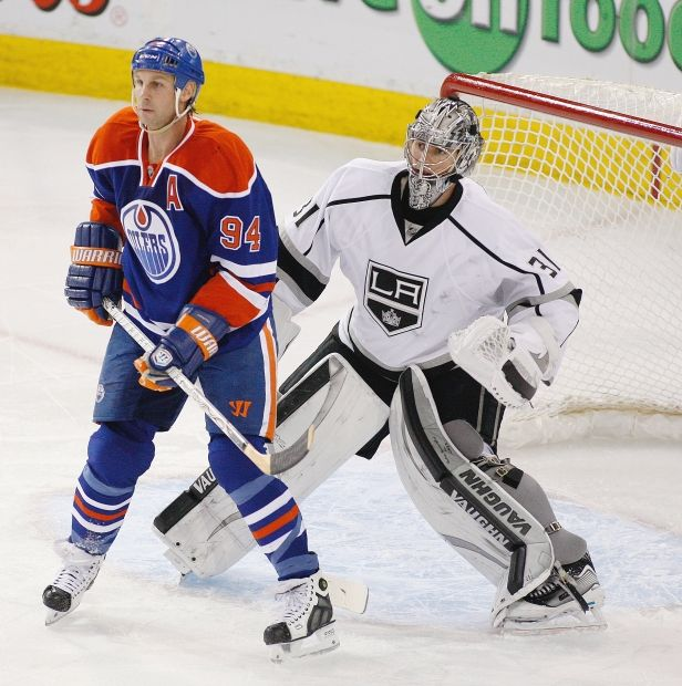 Edmonton Oilers Ryan Smyth stands in front of Los Angeles Kings goaltender Martin Jones during third period NHL action on April 10, 2014 in Edmonton. (Greg Southam/Edmonton Journal)