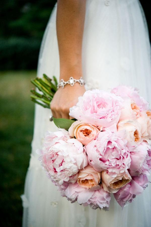 Pink peonies & garden roses