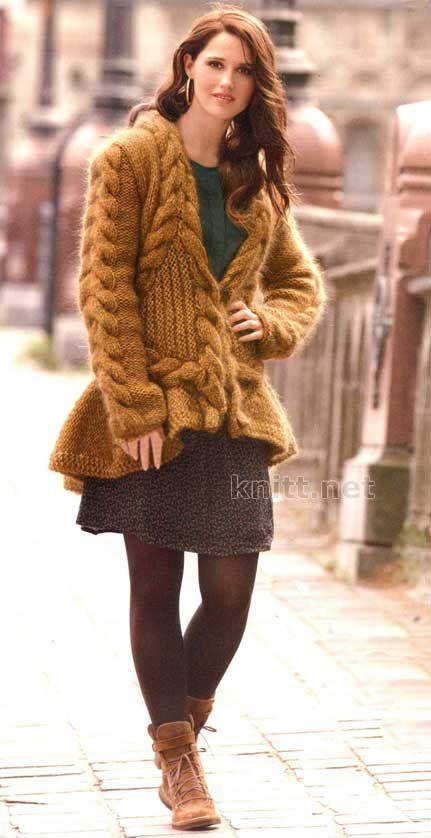 Вязаный кардиган горчичного цвета с косами и фалдами | knitt.net | Все о вязании
