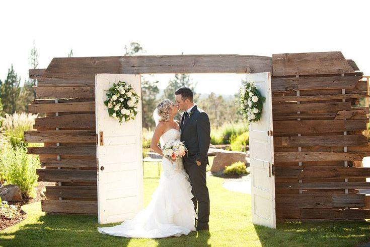 Entree tot de open lucht trouwceremonie