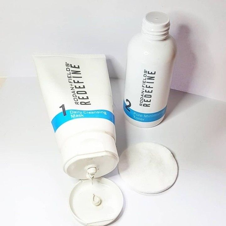 How To Properly Use Toner In 2020 Rodan And Fields Redefine Rodan And Fields Pore Minimizing Toner