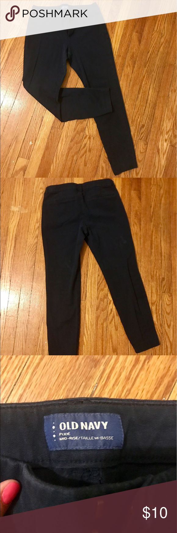 Navy blue Old Navy dress pants Navy blue, mid rise, pixie style, narrow ankle dress pant size 6 Old Navy Pants Ankle & Cropped
