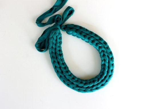 Collar trapillo verde turquesa