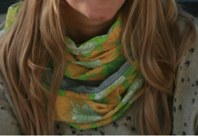 Lykketing - scarf made of vintage fabric from the 70's.