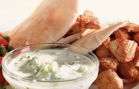 Bodybuild vriendelijke kip tzatziki recept. Weer eens wat anders dan je droge kipfilet met rijst!