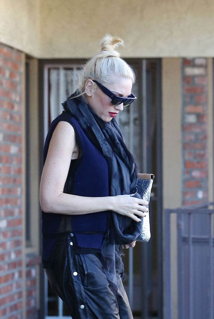 The Easy Charm of the Off-Duty Topknot: Kendall Jenner, Rita Ora, and More♥  Gwen Stefani - Photo: Splash News