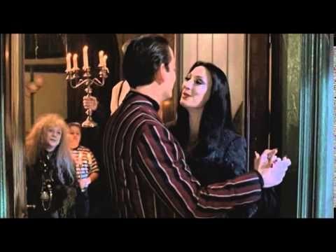 La Familia Addams (Película Completa, Castellano, 1991) con Anjélica Huston y Raúl Juliá