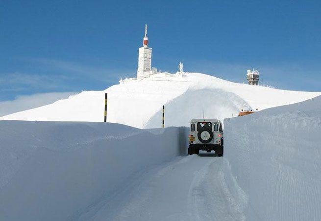 Le Mont Ventoux en hiver http://www.capcampus.com/img/labalise/guides/hiver/2009/mont_ventoux_serein1.jpg