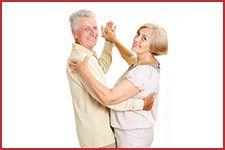 Taniec towarzyski to świetna forma aktywności dla seniora.