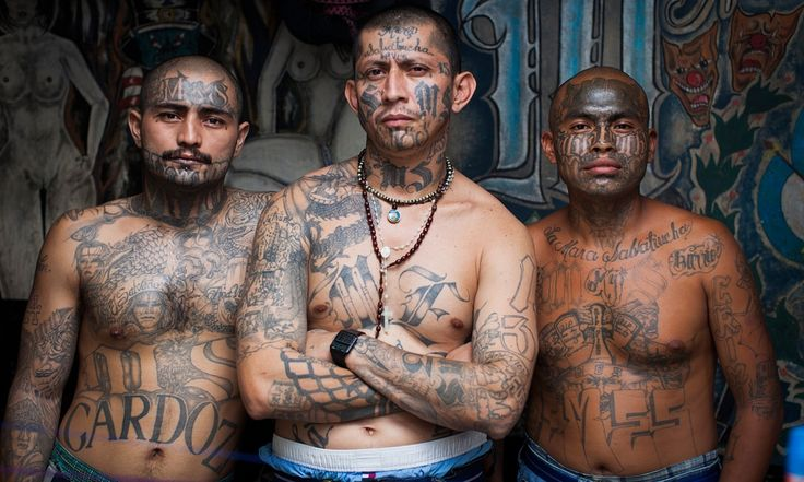 Adam Hinton has photographed the most dangerous places in the world, none more so than El Salvador, where the notorious MS-13 gang welcomed him gladly into their community and their private prison