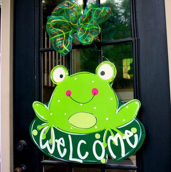 Summer Door Hanger: Frog Door Decoration, Summer Wreath, Frog Decor on Etsy, $45.00