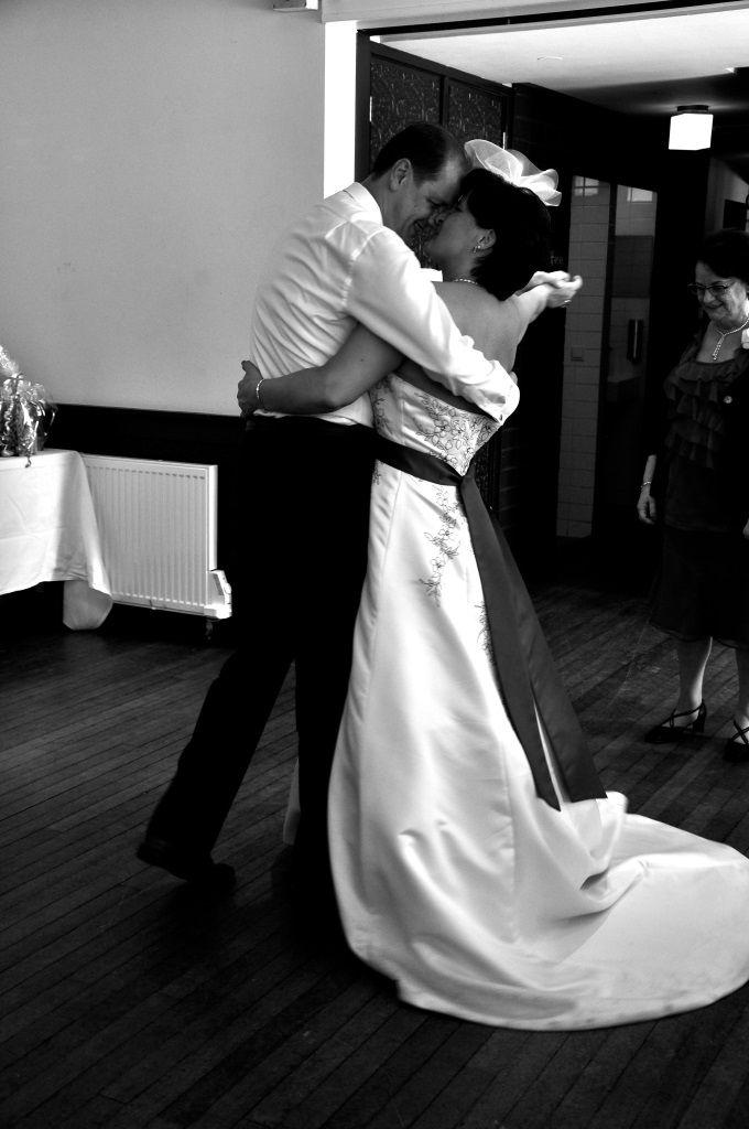De dans @ Bruiloft Mike & Ingrid Perquin bij Brasserie Berlage