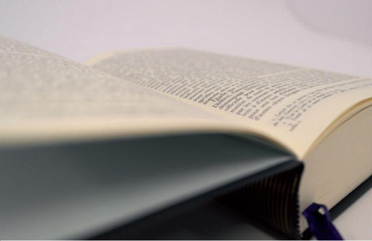 Collection La Pléiade et Quarto chez Gallimard | Bolloré Thin papers