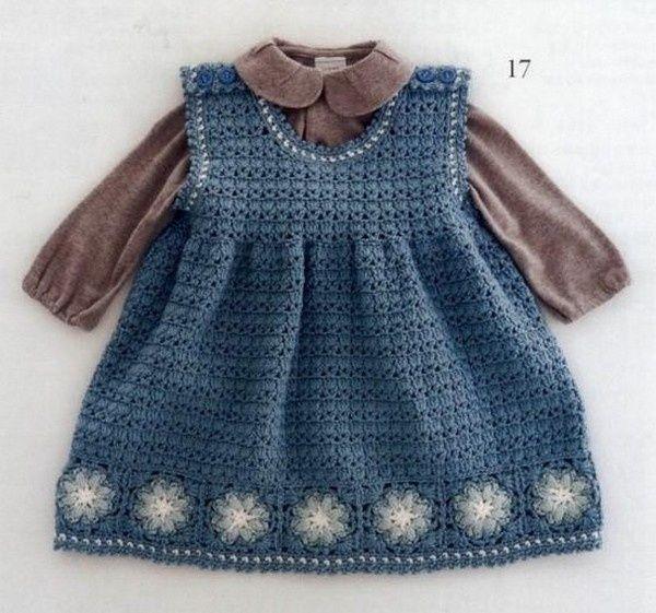 """Superbe robes fillettes de 12 à 24 mois , décorées d'un rang de carrés granny , trouvées sur la page facebook de """" Handmade my Hobby """" ."""