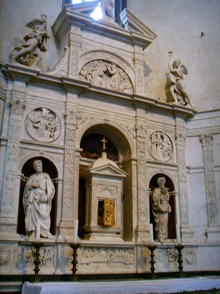 Santo Spirito, andrea sansovino, altare del sacramento, 1490 circa 02 - Category:Santo Spirito (Florence) - Interior - Wikimedia Commons